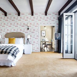 """<b><a href=""""http://www.palihousesantamonica.com/"""">Palihouse Santa Monica</a></b> (1001 Third St.): While Palihouse's WeHo location is just as <a href=""""http://la.racked.com/archives/2013/11/13/where_to_go_for_a_stylish_staycation_in_la_and_beyond.php"""">stay"""