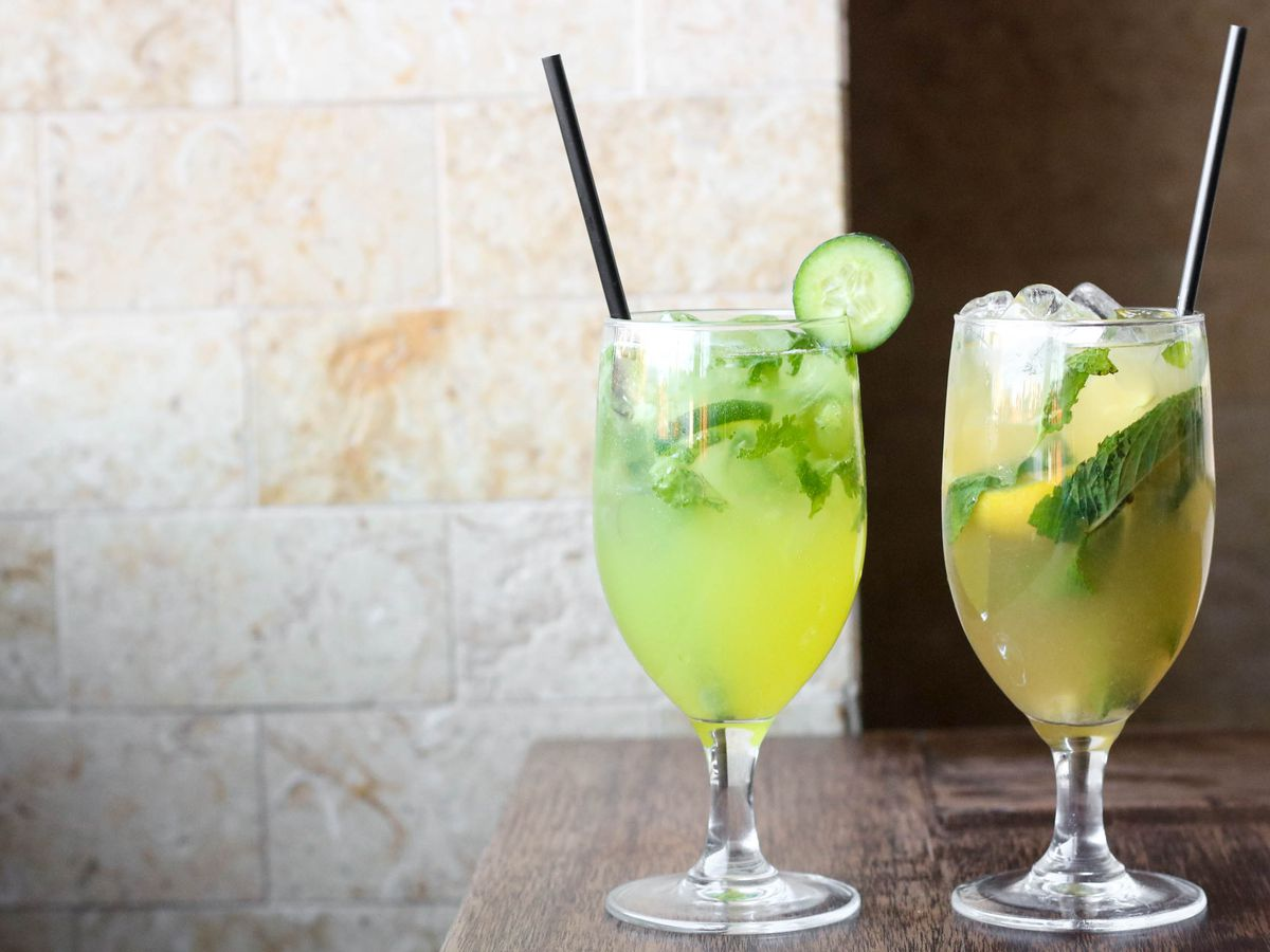 two glasses with lemonade and mint