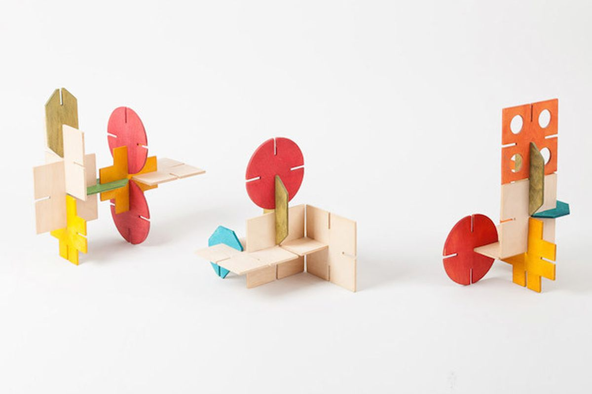 """Roger Limbrick's Interslot (1964)—All photos via <a href=""""http://www.dezeen.com/2015/06/04/play-toys-sets-rules-exhibition-modernist-toys-systems-project-london-furniture-showroom-walter-knoll/"""">Dezeen</a>"""