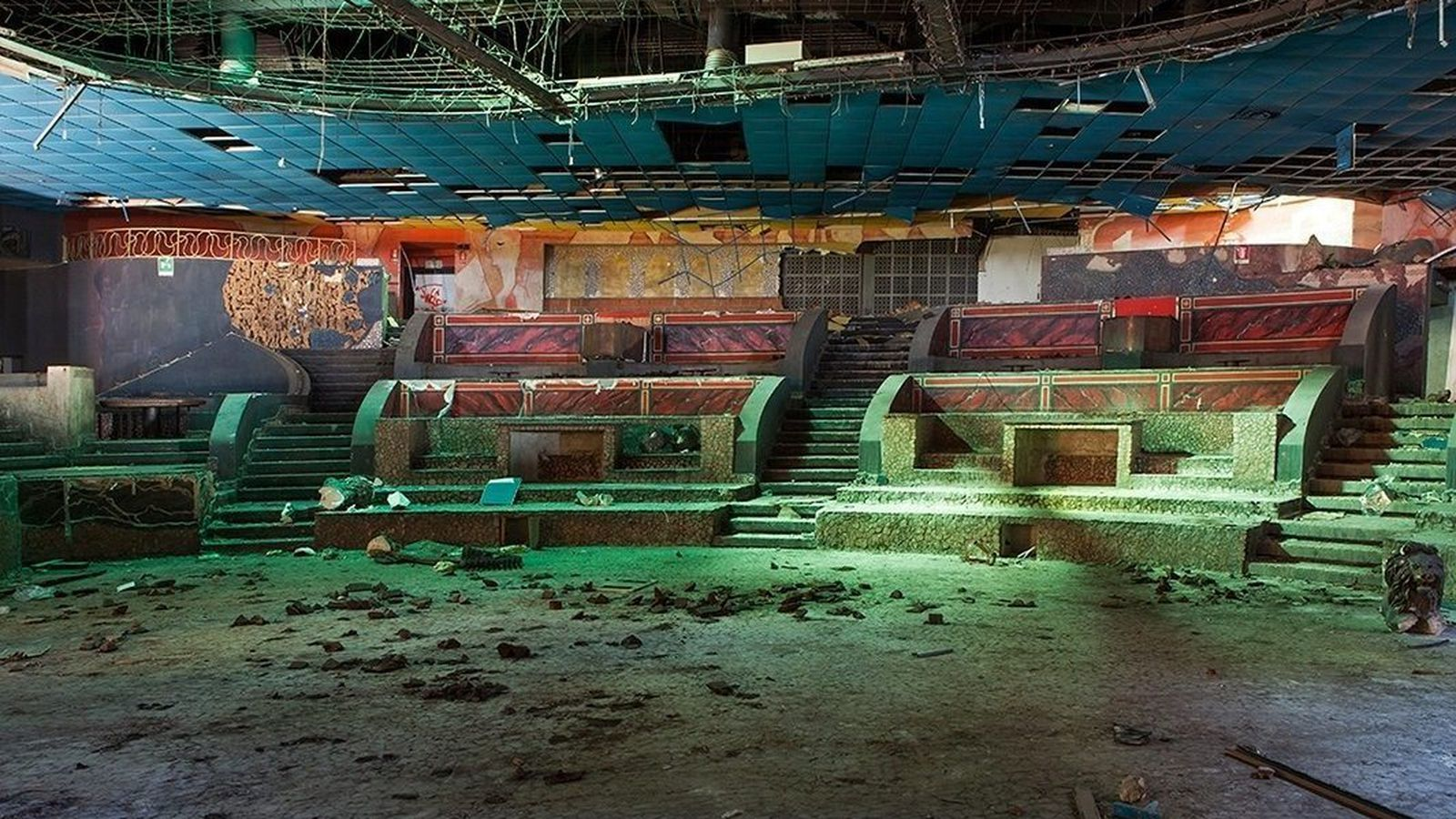 Explore The Year Most Atmospheric Abandoned