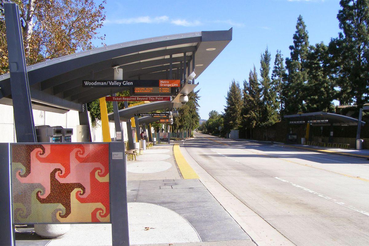 Orange Line station