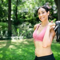 """<a href=""""http://ny.racked.com/archives/2012/08/13/hottest_trainer_contestant_19_rachel_shasha.php""""><b>Rachel Shasha</b></a>, fitness, wellness, and pre- and post-natal trainer and Equinox instructor. Photo by <a href=""""http://www.bonniebethburke.com/"""">Bonn"""