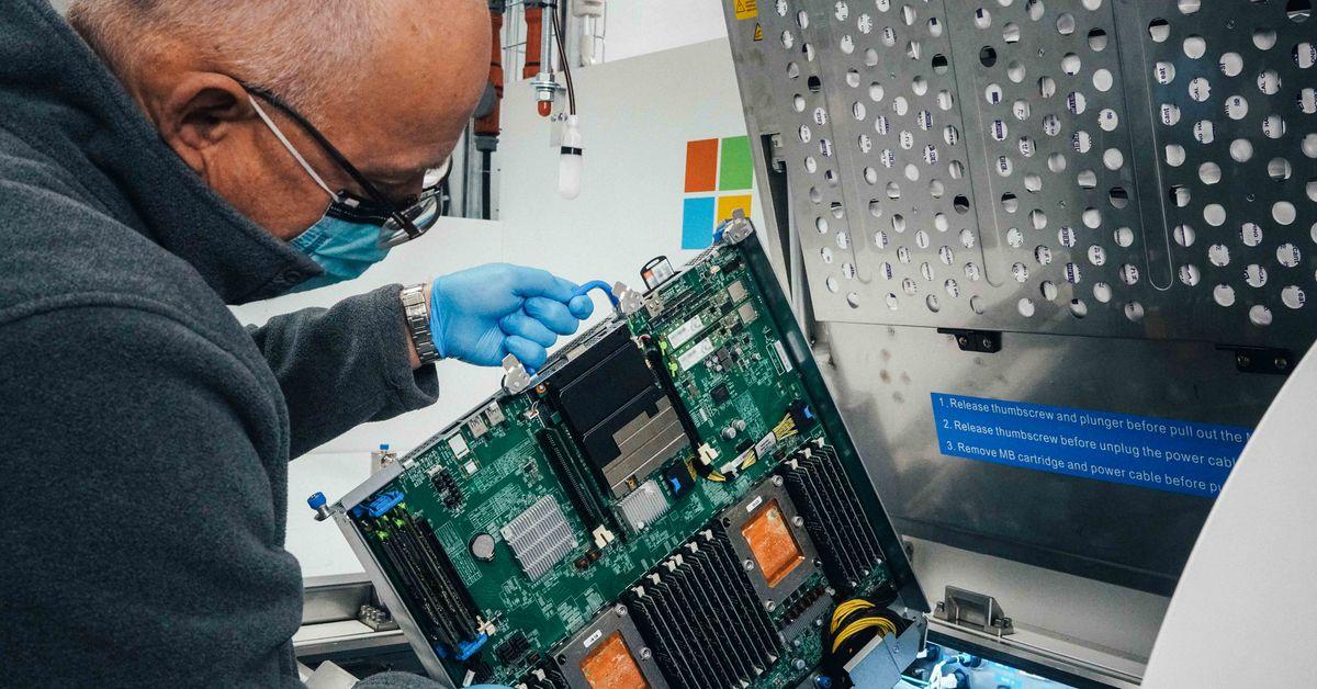 Microsoft is now submerging servers into liquid baths