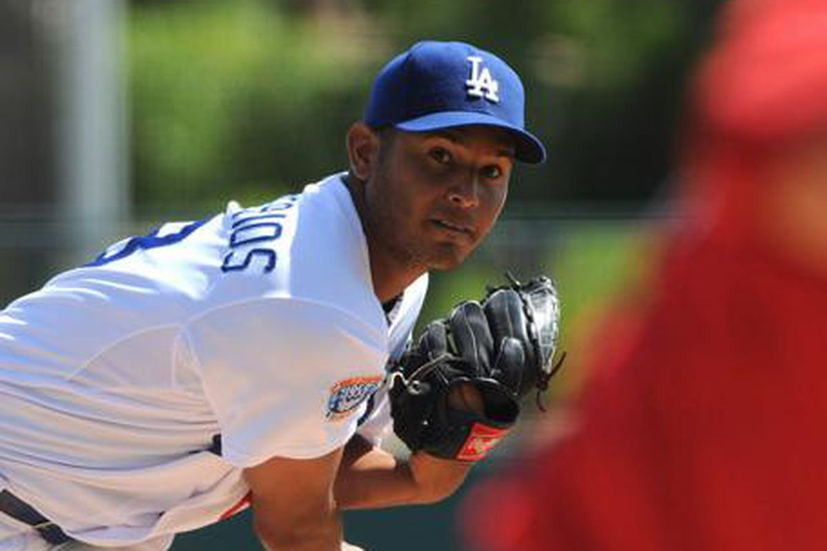 """Carlos Monasterios is a strong candidate to make the Dodgers opening day roster (Photo Credit: Jon SooHoo / <a href=""""http://losangeles.dodgers.mlb.com/la/photogallery/year_2010/month_03/day_22/cf8872804.html"""" target=""""new"""">LA Dodgers</a>)"""