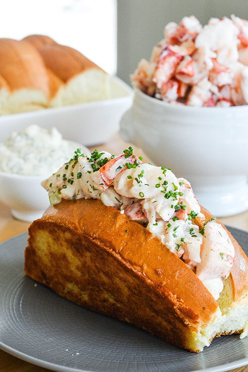 A plated lobster roll.