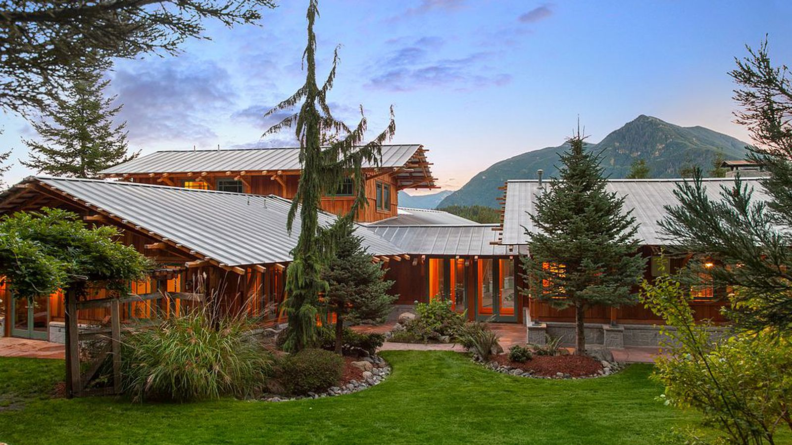 5 of our favorite seattle area homes from june curbed for New home builders in seattle area
