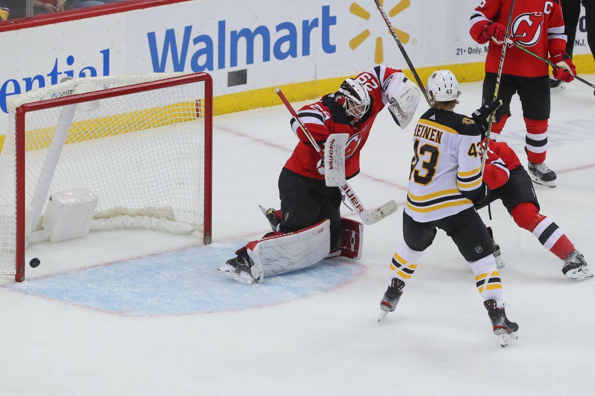 Recap: Pastrnak, Grzelcyk each score twice in Bruins victory over Devils