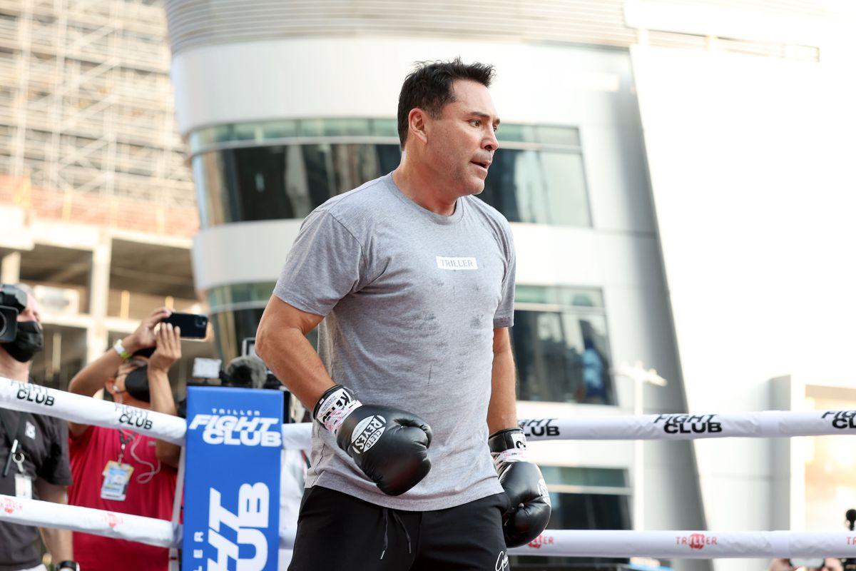 "Boxing Legend ""The Golden Boy"" Oscar De La Hoya, Hosts Open To The Public Media Workout"