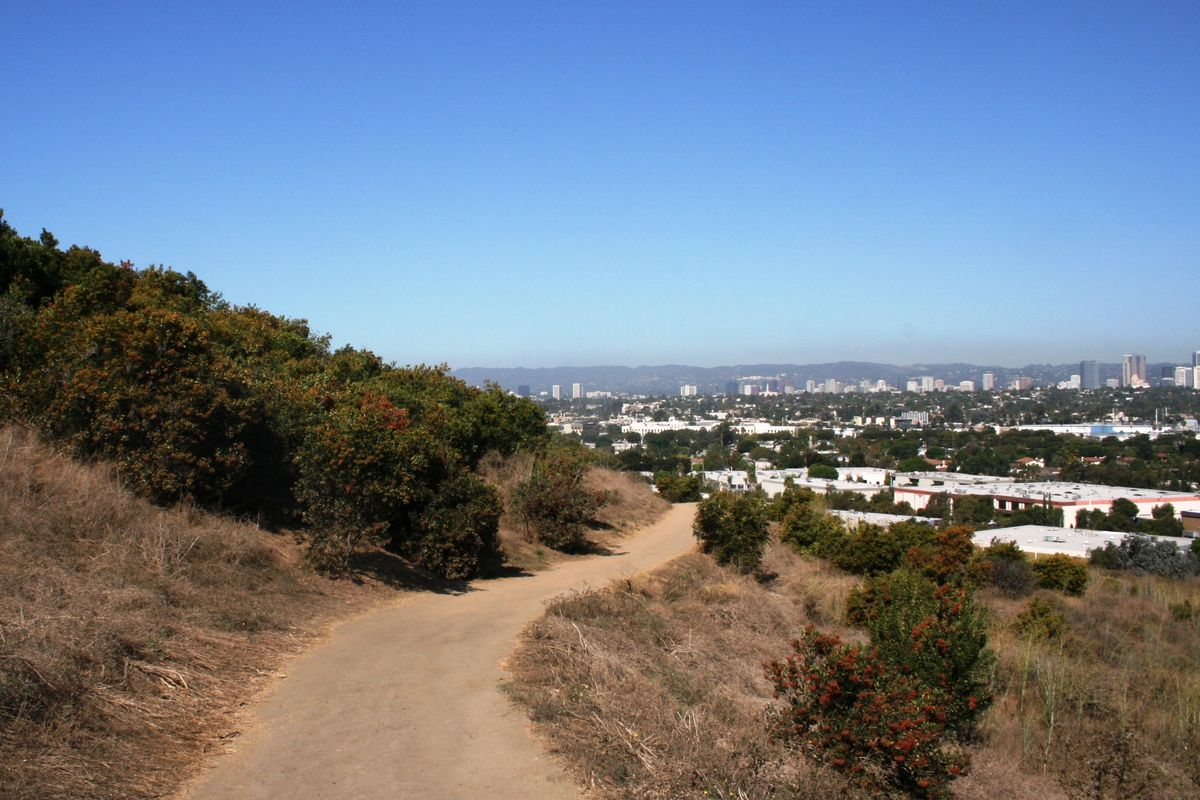 13 Mile Trail from Baldwin Hills to Playa Vista Trail