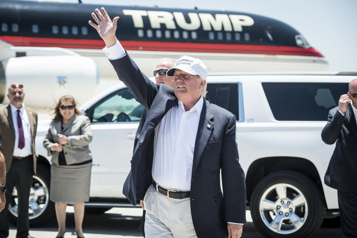 Presidential Donald Trump and his plane.