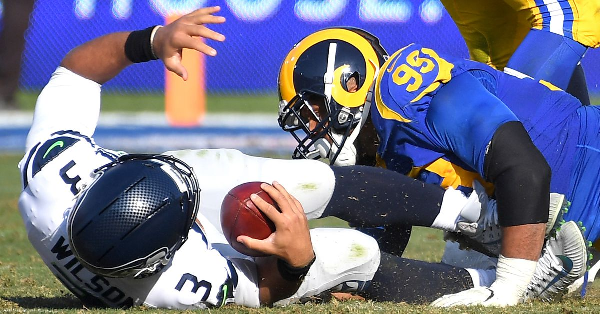 Rams-Seahawks SNF first half open thread
