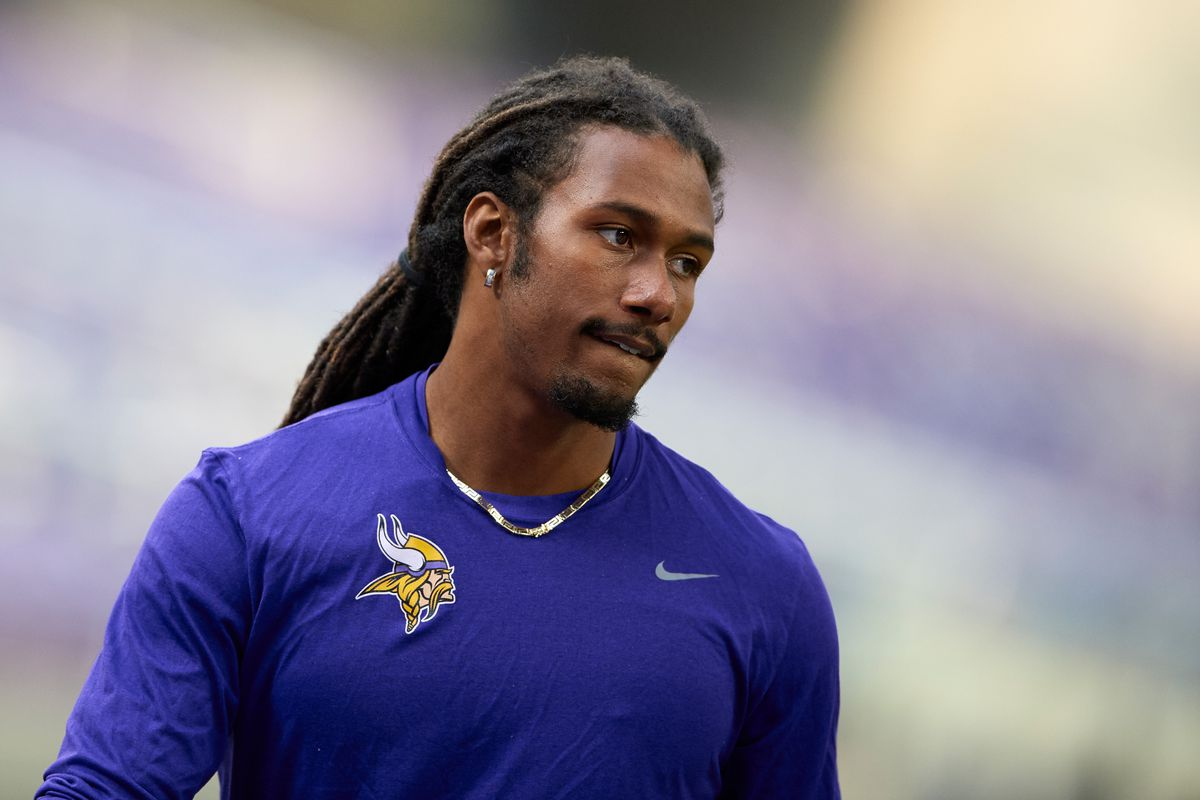 Bengals CB Trae Waynes suffers pectoral injury; could be out 2 ...