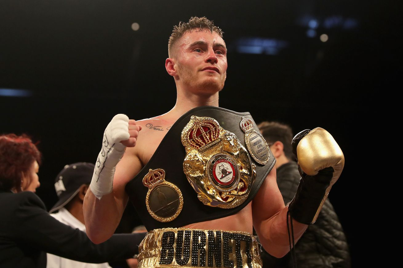 940553416.jpg.0 - Burnett signs with Top Rank ahead of May 17th return