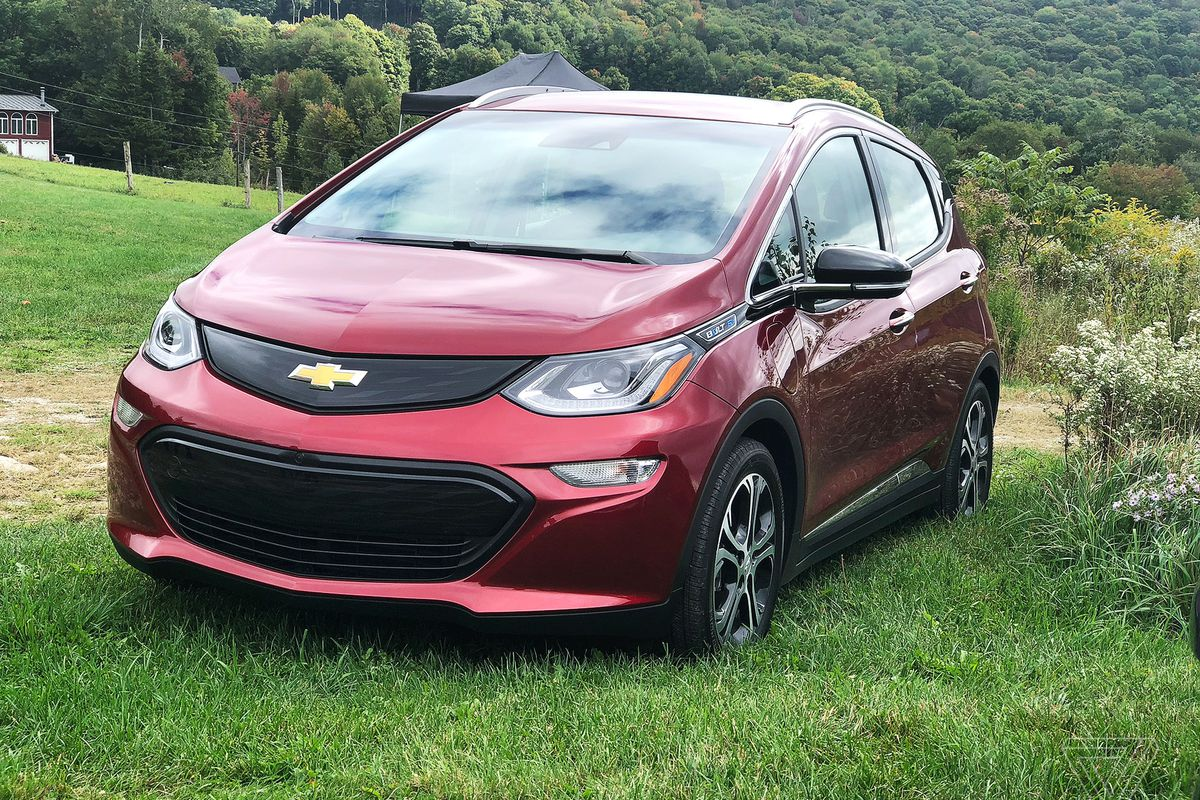 Gm Will Be The Second Automaker To Lose Ev Tax Credit While Bolt S Stumble