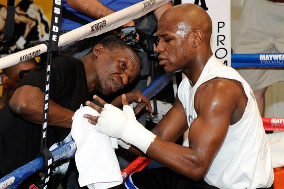 Floyd Mayweather thinking trainer change, Floyd Sr to ...