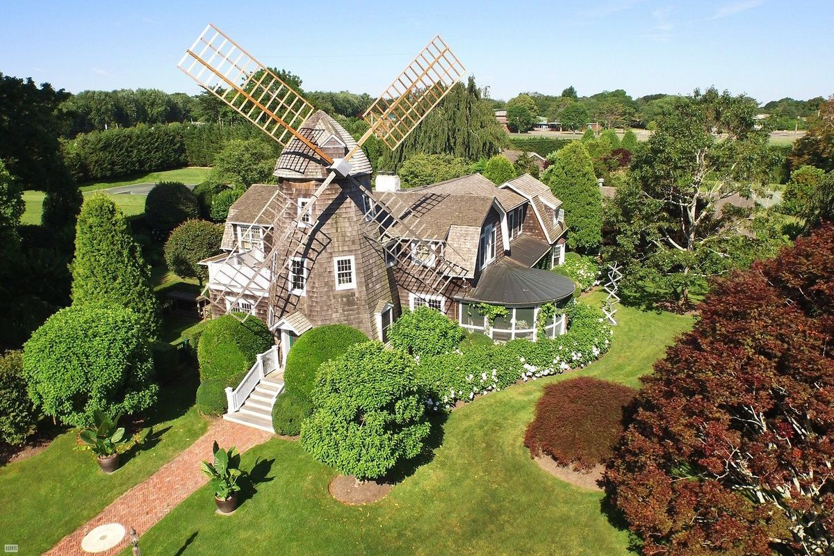 robert downey jr is now the owner of the iconic east hampton windmill cottage curbed hamptons. Black Bedroom Furniture Sets. Home Design Ideas