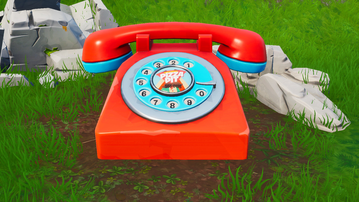 The big Pizza Pit telephone in Fortnite
