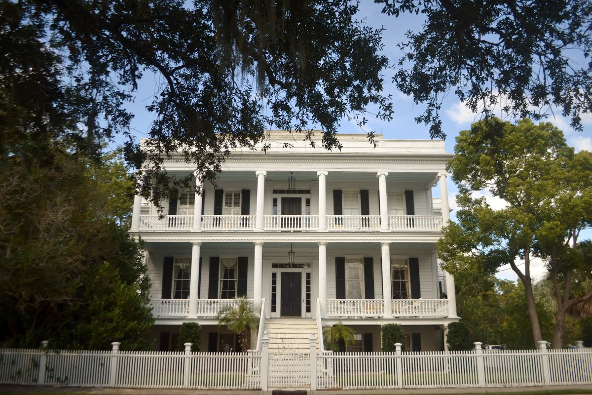 6 Historic Southern Homes for Sale Right Now - Curbed
