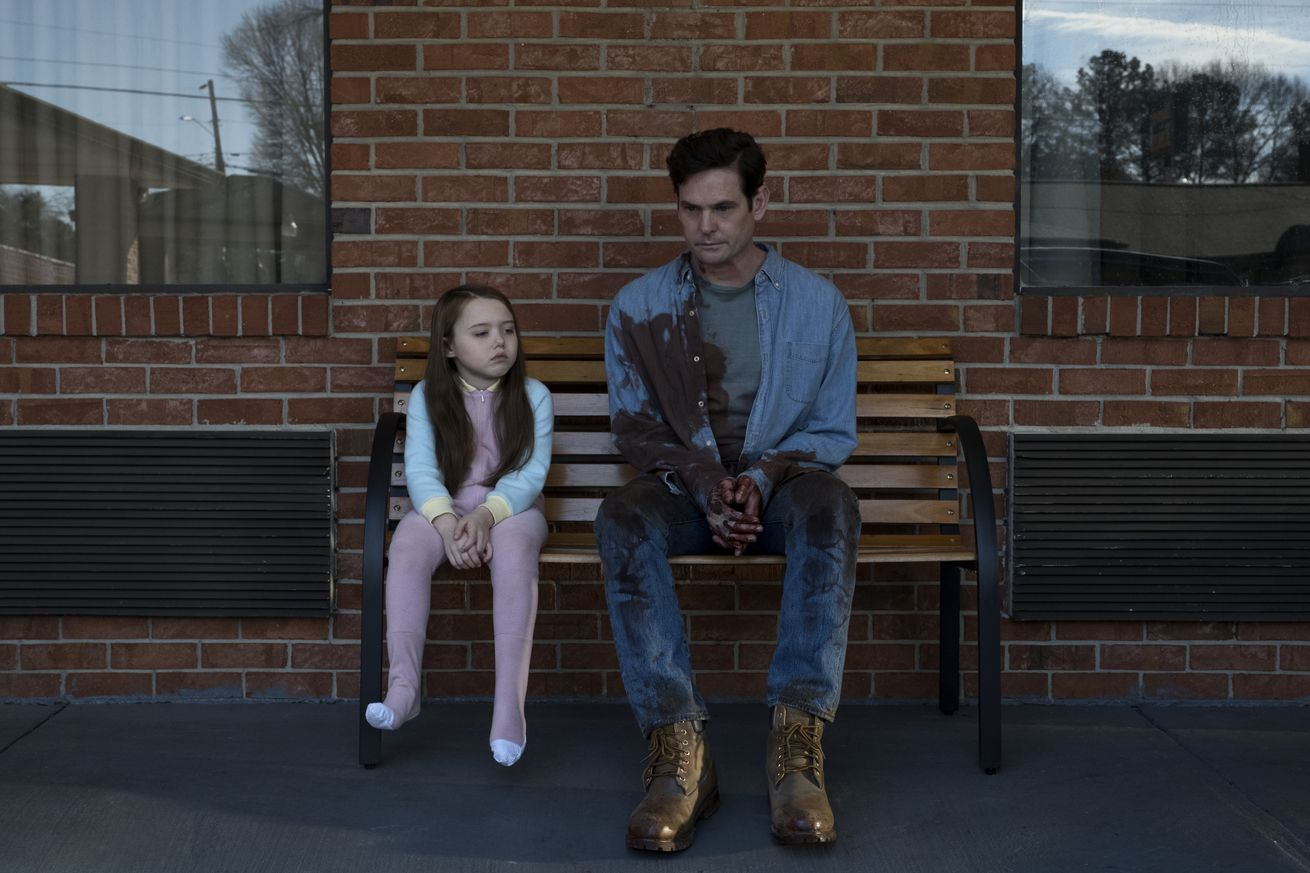 netflix s haunting of hill house is like this is us wrapped in a gothic ghost story