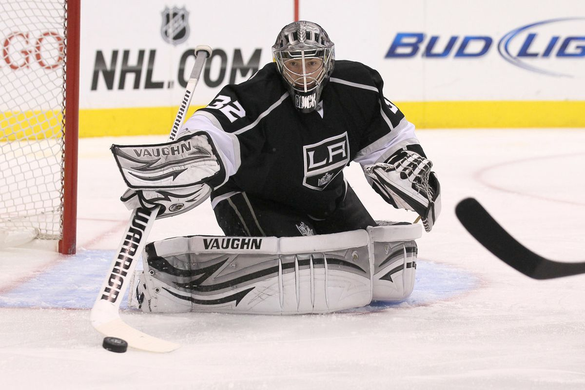 LOS ANGELES, CA - MARCH 13:  Goalie Jonathan Quick #32 of the Los Angeles Kings makes a save against the Detroit Red Wings at Staples Center on March 13, 2012 in Los Angeles, California.  (Photo by Stephen Dunn/Getty Images)