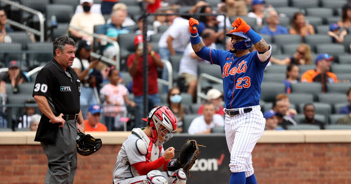 Los jugadores de los Mets dando a sus fanáticos el 'pulgar hacia abajo', explicaron