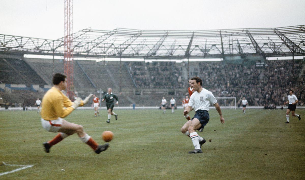 Jimmy Greaves England v Wales Home International 1962