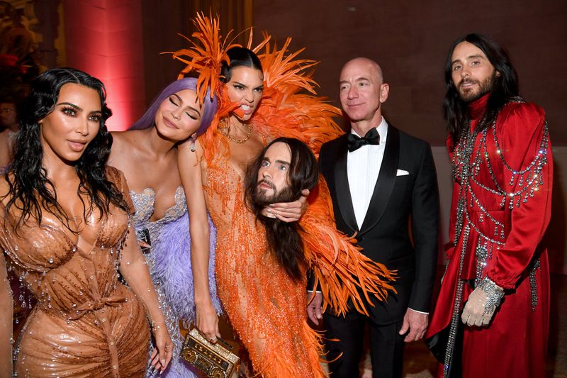 Jeff Bezos hangs out with Kim Kardashian West, Kylie Jenner, Kendall Jenner, and Jared Leto at the 2019 Met Gala.