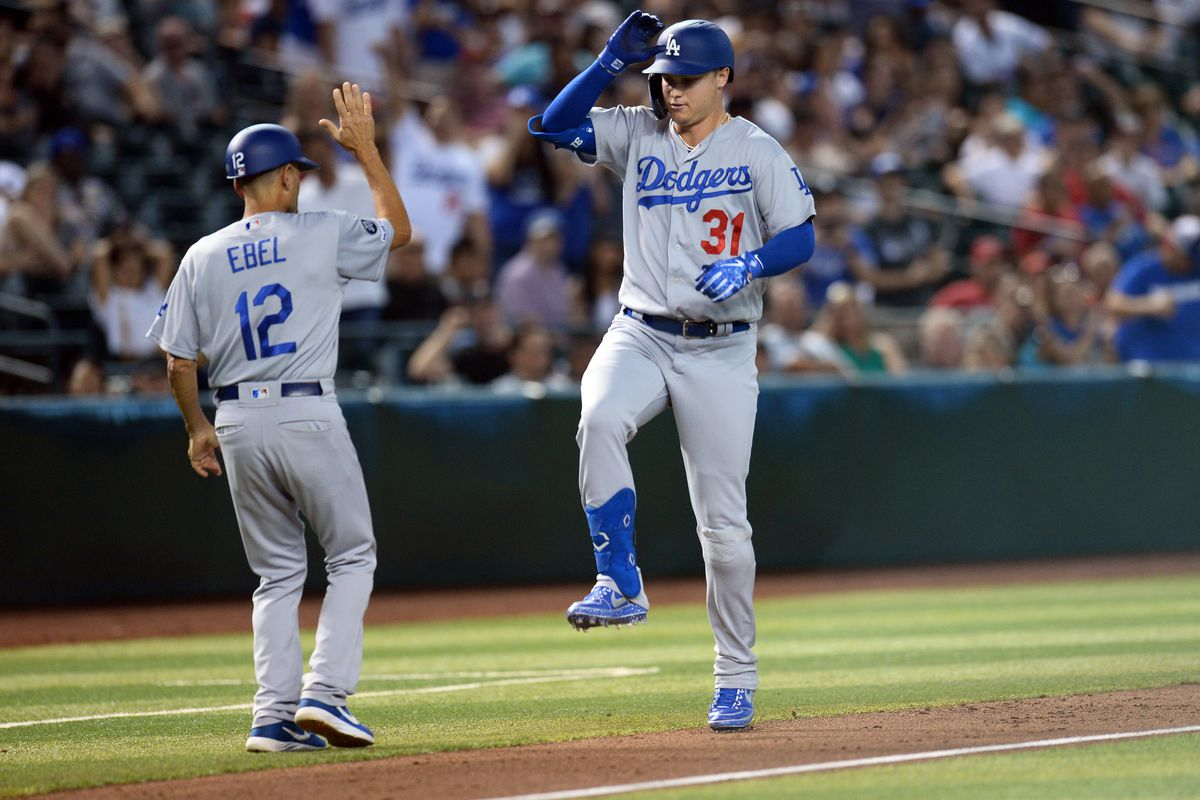 huge discount 3f77a 46eb6 Dodgers homer their way past a D-Backs sweep - True Blue LA