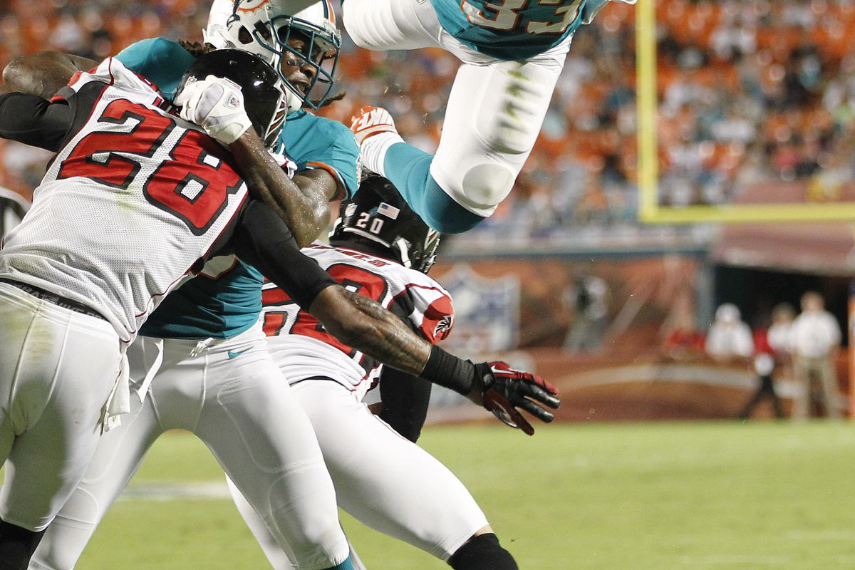 Miami Dolphins running back Daniel Thomas is looking to become a better running back in his sophomore season.