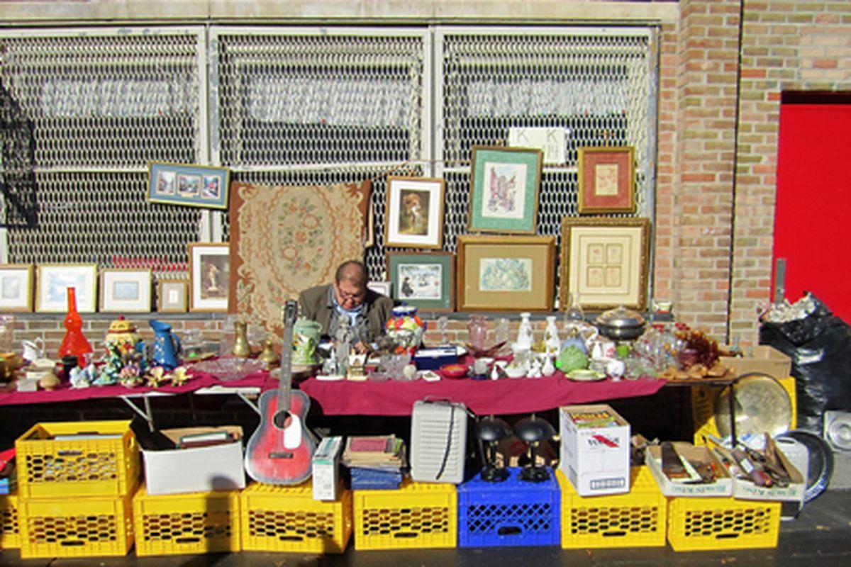 "Park Slope flea market via <a href=""http://www.flickr.com/photos/chrisgold/5162878775/in/pool-312691@N20/"">Chris Gold</a>/Racked Flickr Pool"
