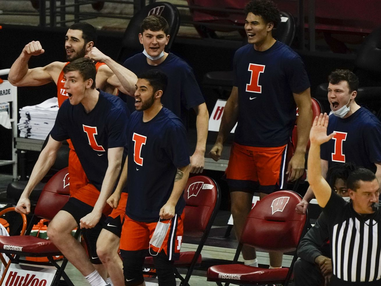 Illinois moved up to No. 4 in the new AP Top 25 poll.