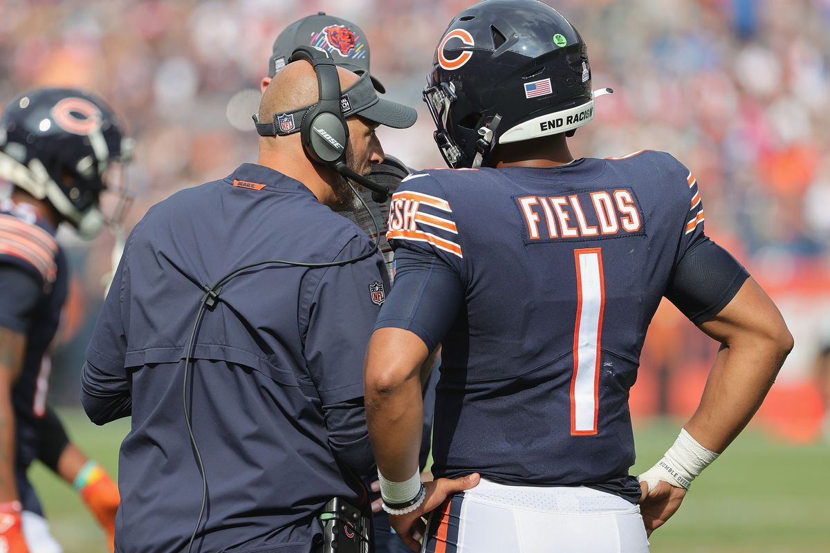 Justin Fields (right, with coach Matt Nagy) will make the third start of his NFL career on Sunday against the Raiders.