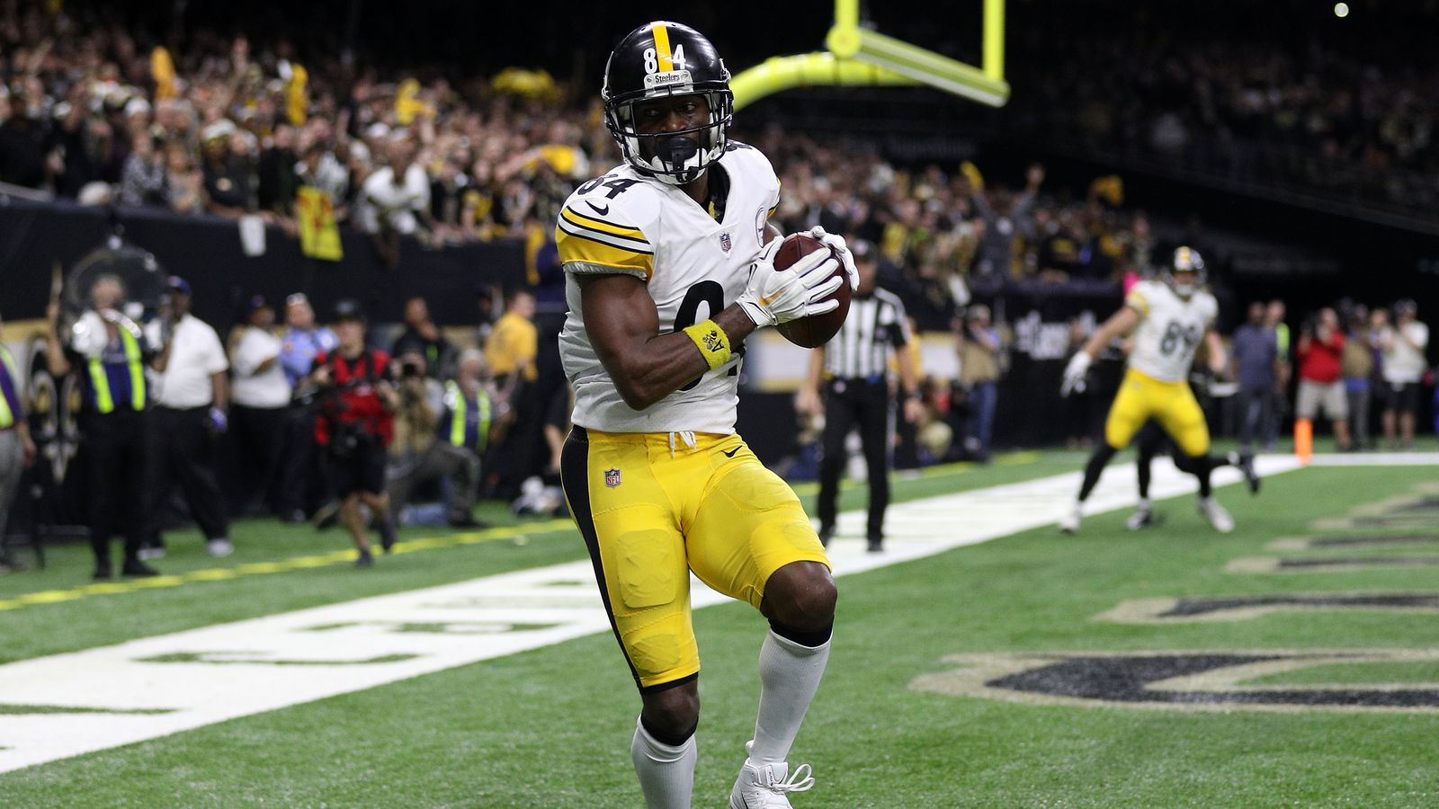 Steelers agree to honor Antonio Brown trade request