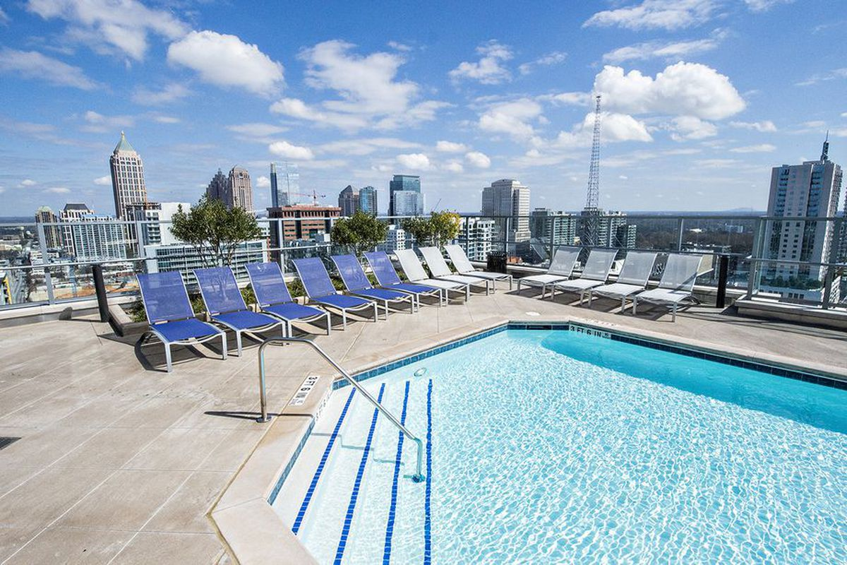 As seen here, student renters can take a dip in the clouds at Square on Fifth near Georgia Tech.
