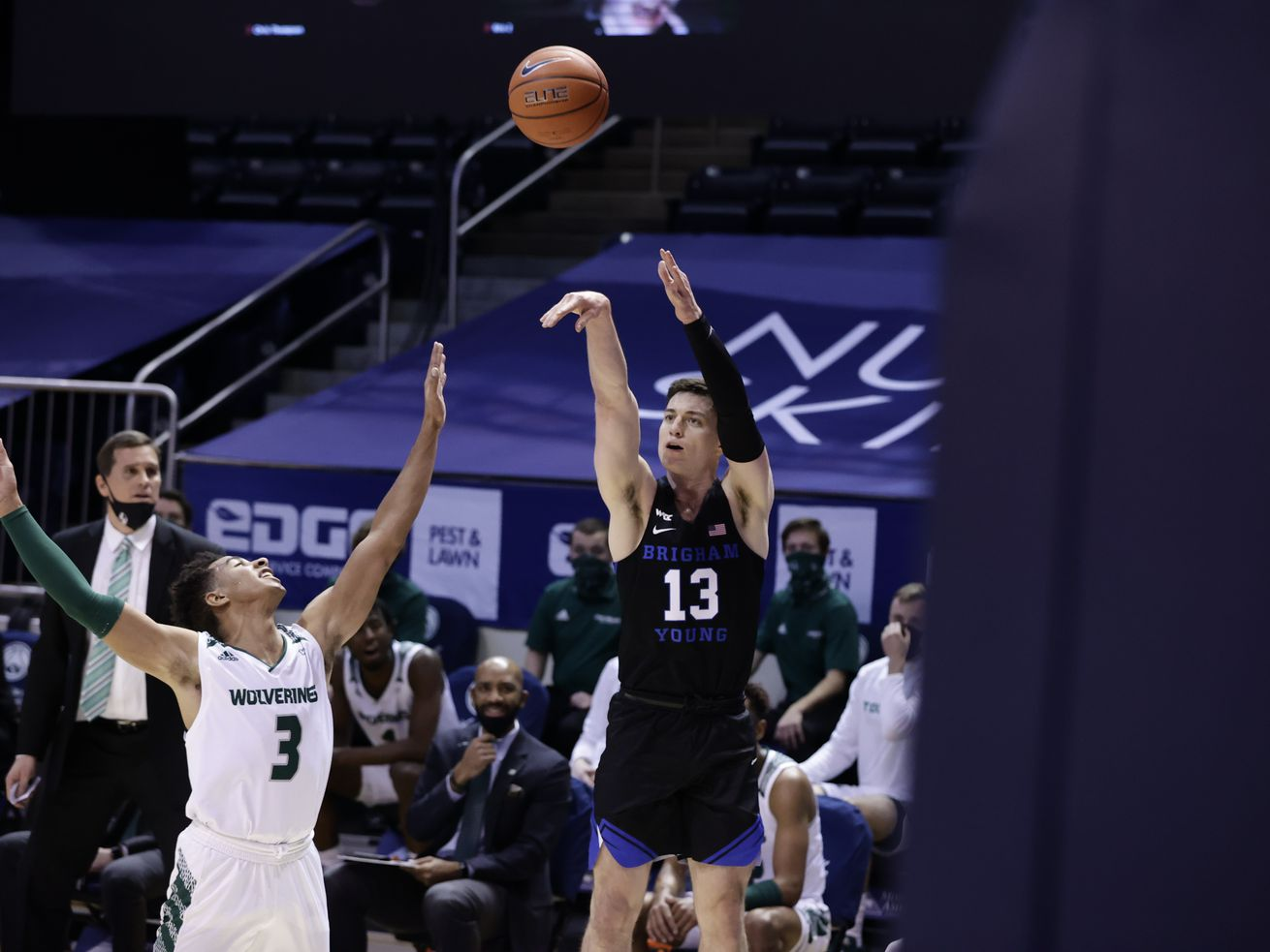 Superior depth the difference as BYU rolls past neighboring Utah Valley in Crosstown Clash