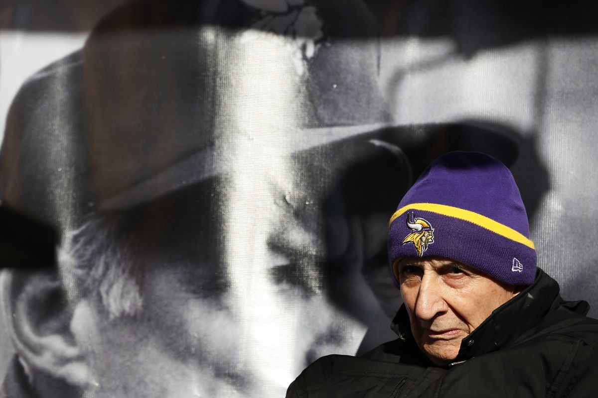 Star Tribune columnist Sid Hartman listen as former Vikings coach Bud Grant gave a speech during a ceremony Monday where a street was dedicated in his honor near the new Vikings stadium December 1, 2014 in Minneapolis, MN. ] Jerry Holt Jerry.holt@startrib