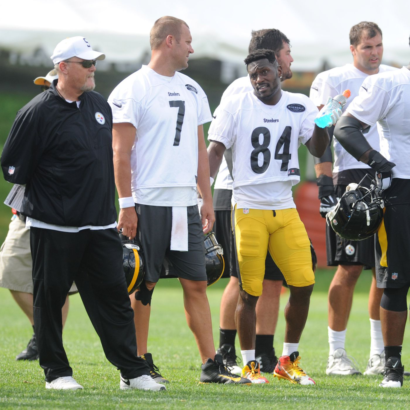 Steelers  Training Camp Recap  Antonio Brown fires back after reports of  injury b0e14ac1e