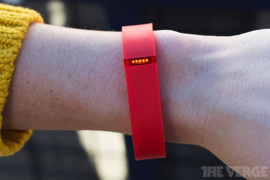 how to put tracker back in fitbit flex