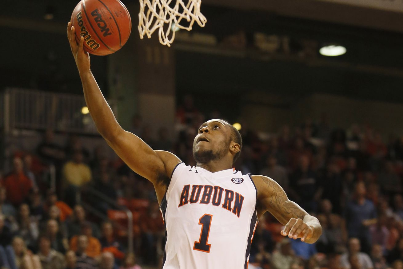 NCAA Basketball: Mercer at Auburn