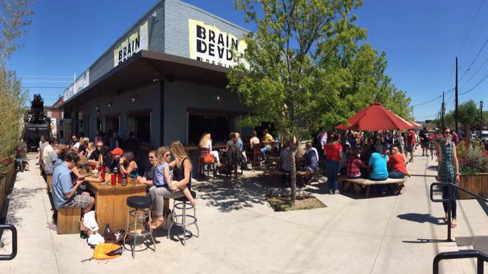Braindead Brewing S New Concept Will Bring Fish Tacos And Hawaiian Poke Bowls To Deep Ellum