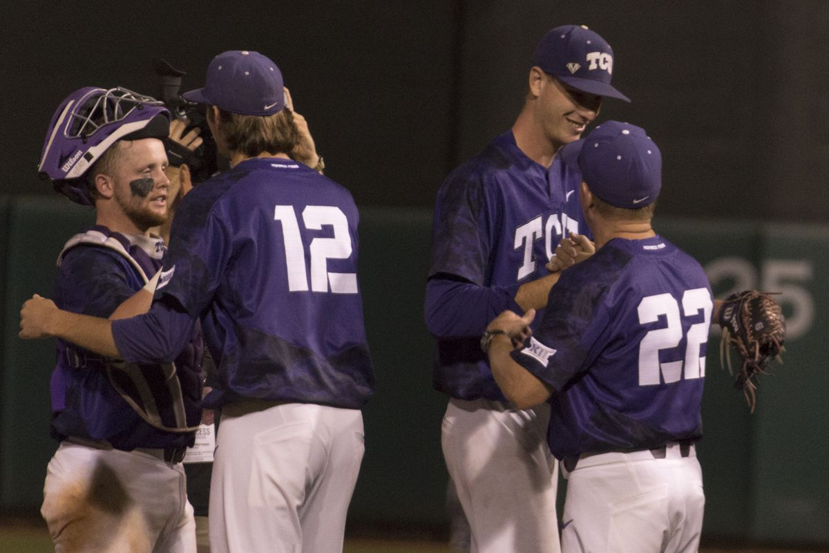 Traver keeps TCU alive at Big 12 tourney with win over Texas