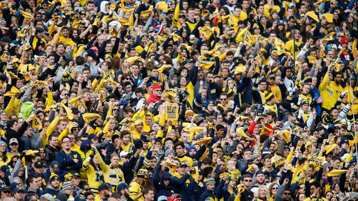 Maize n Brew, a Michigan Wolverines community