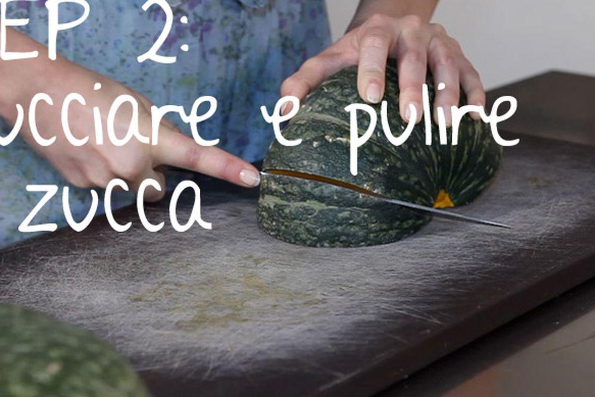 "Image via <a href=""http://www.vogue.it/en/beauty/vogue-kitchen/2011/04/cream-of-pumpkin-soup-with-scallops"">Vogue Italia</a>"