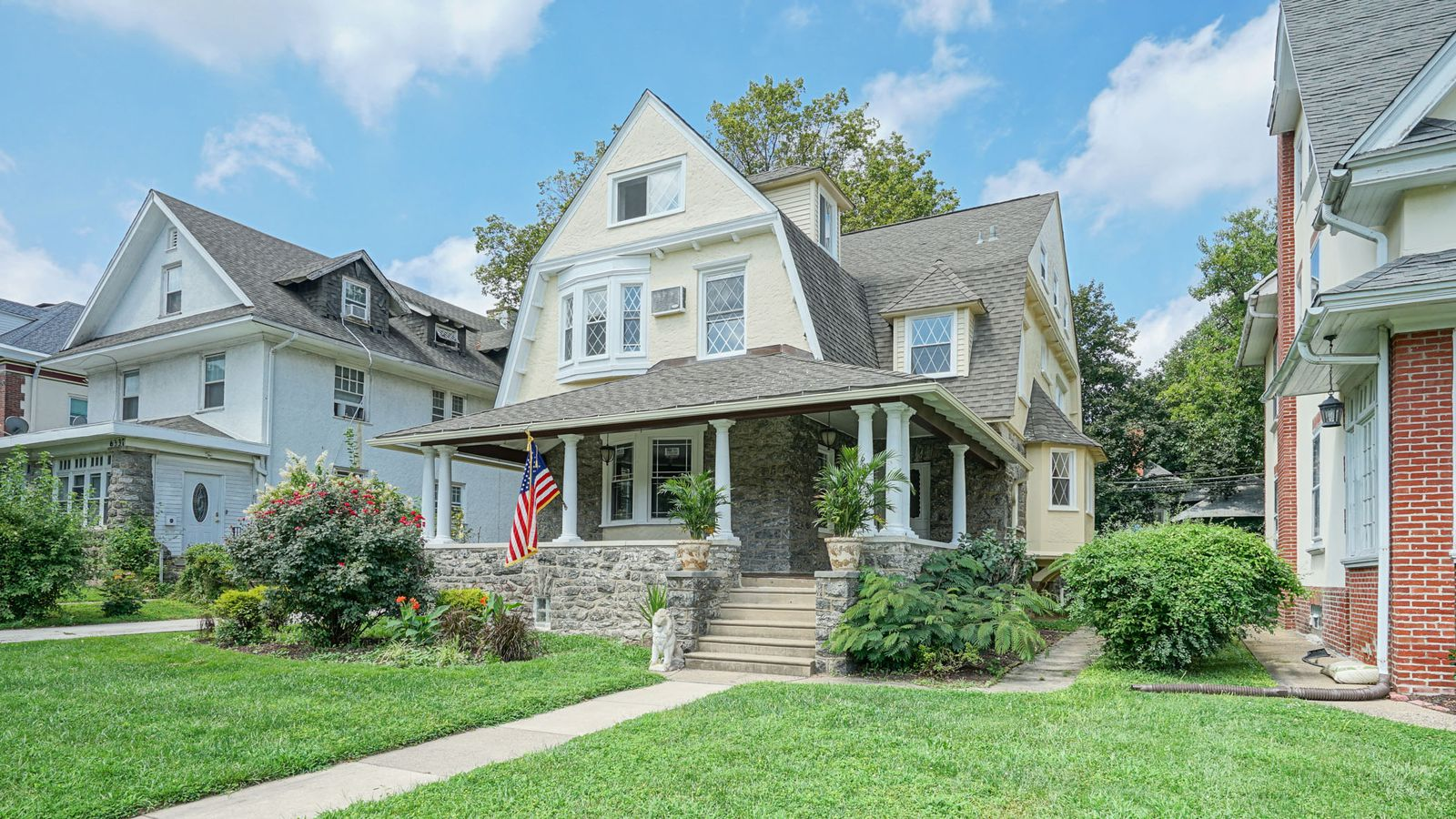 Handsome Overbrook Farms Home With Six Bedrooms Asks 459k