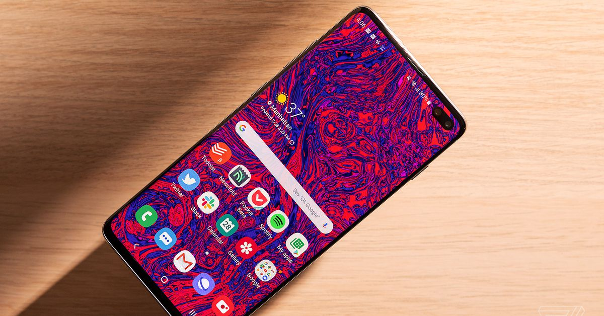 QnA VBage Samsung Galaxy S10 Plus review: the anti-iPhone