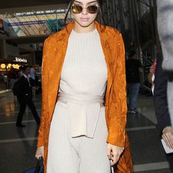 Kendall's Elle Sasson knit set was like an insanely chic sweatsuit—perfect for travel.