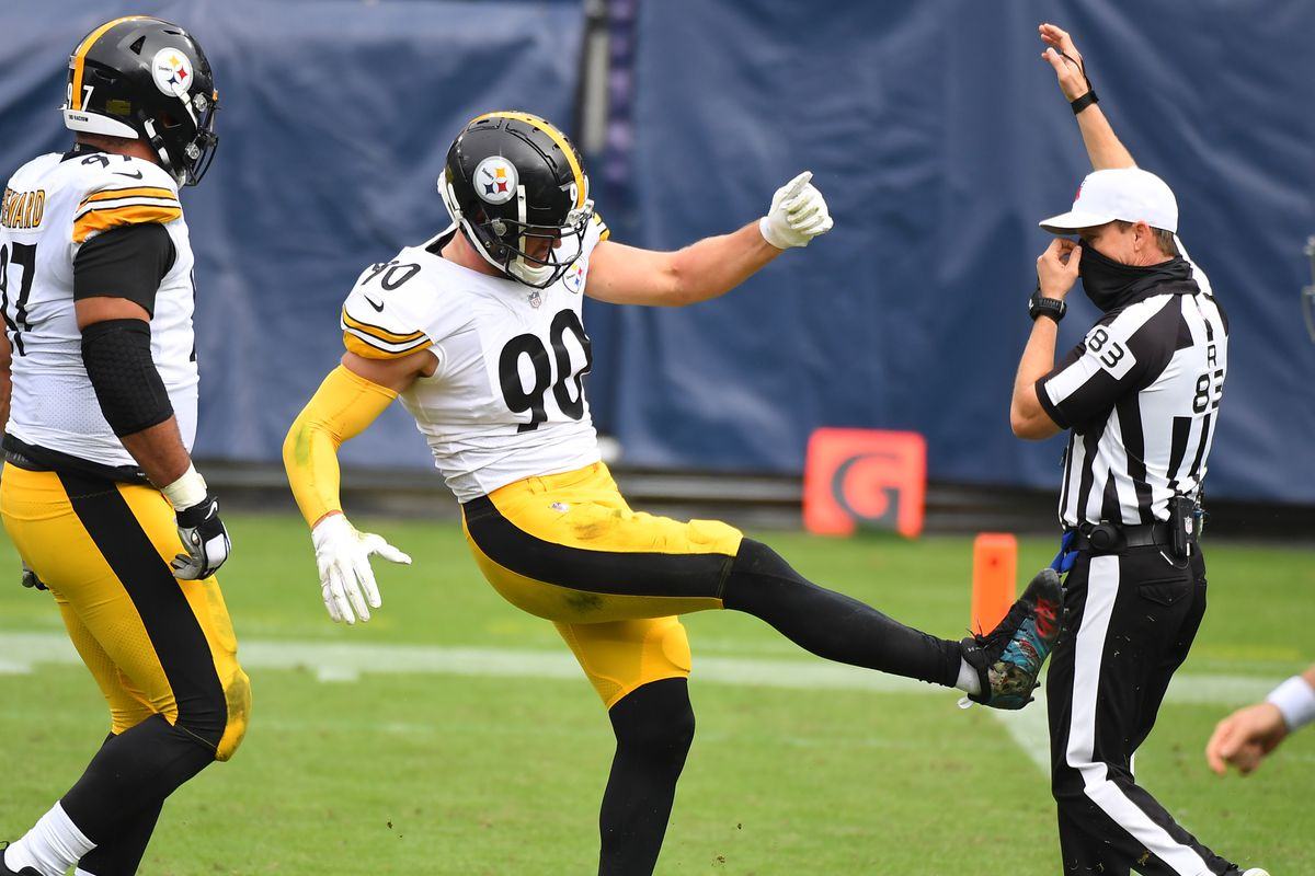 Pittsburgh Steelers outside linebacker T.J. Watt (90) celebrates after a tackle for a loss during the first half against the Tennessee Titans at Nissan Stadium.