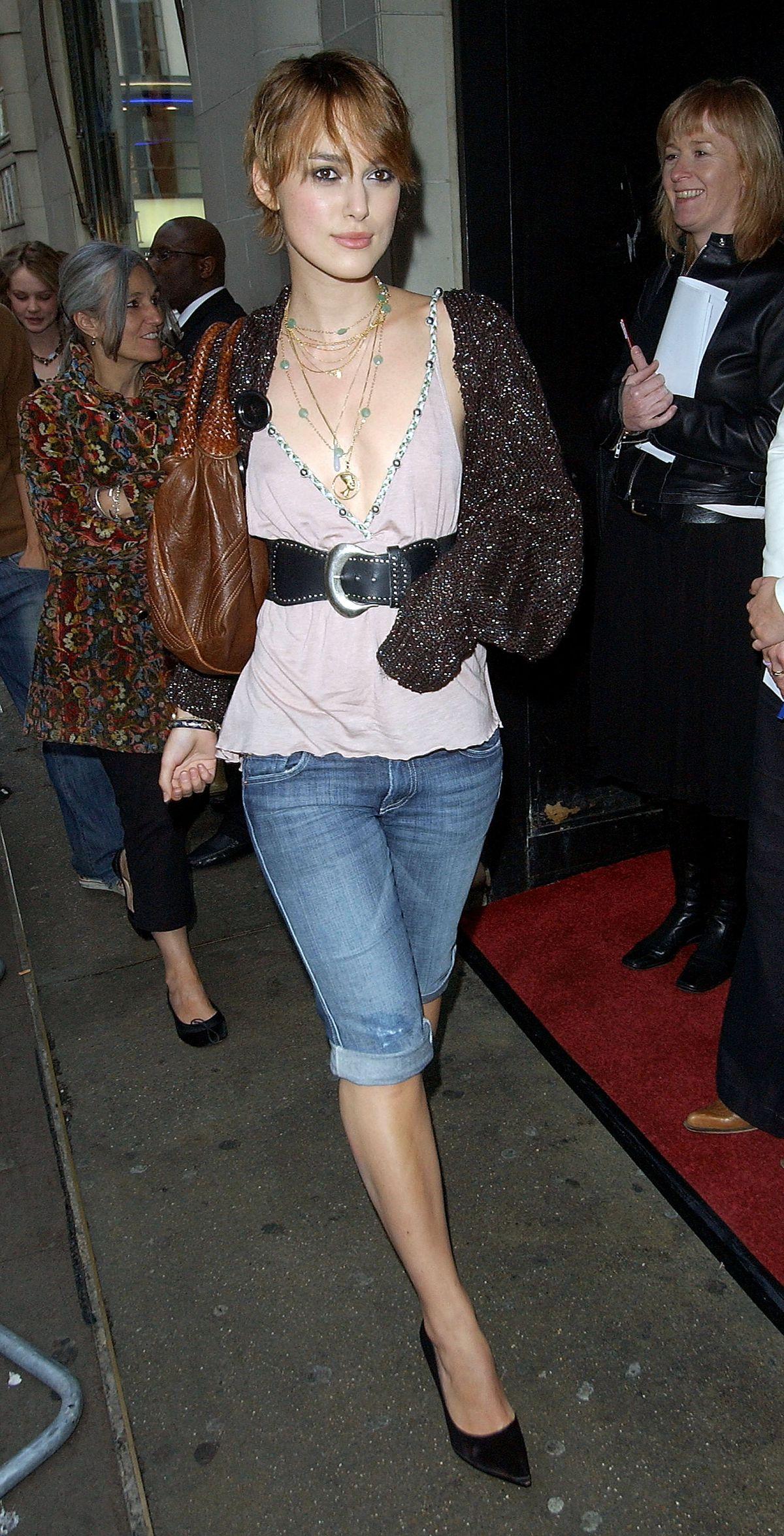 Keira Knightley wearing denim pedal pushers in 2005.