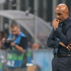 FC Internazionale coach Luciano Spalletti looks on during the Group B match of the UEFA Champions League between FC Internazionale and Tottenham Hotspur at San Siro Stadium on September 18, 2018 in Milan, Italy.