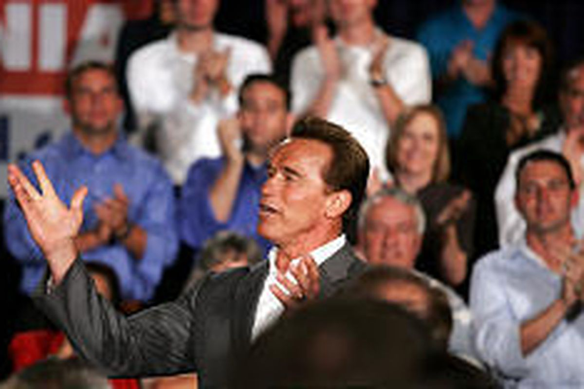 California Gov. Arnold Schwarzenegger announces his intention to run for a second term at meeting in San Diego Friday.
